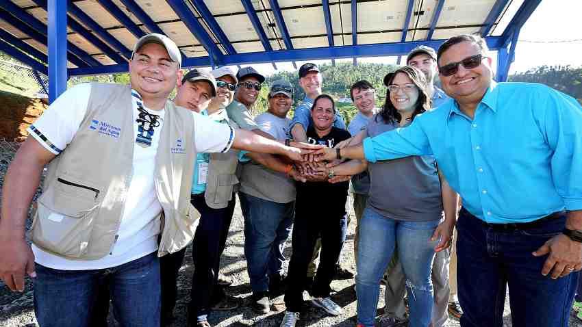 Alcalde de Caguas inaugura acueducto que funciona con energia solar-Suministrada
