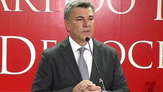 Charlie_Delgado_arremete_contra_el_gobernador.jpg