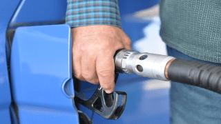 Precio gasolina no bajó como se esperaba, según expresidente de ADG