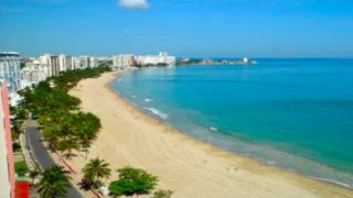 Foto básica de playa en Puerto Rico