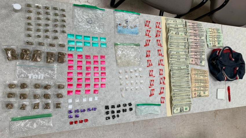 Arrestan a 11 por drogas en residencial Enrique Zorilla de Manatí