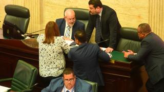 Cámara aprueba legislación para ayudar a la economía en emergencia del COVID-19