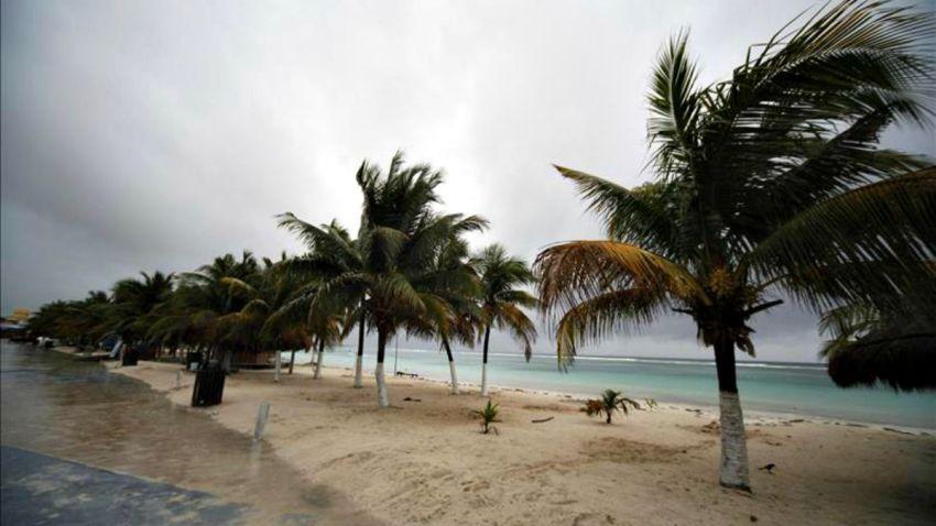 TLMD-generica-playa-tormenta-EFE-11033415w
