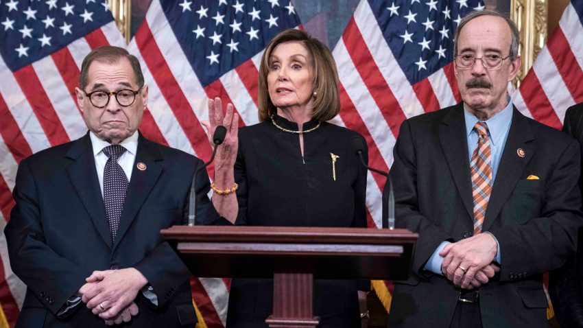 Congresistas democratas Jerry Nadler Nancy Pelosi y Eliot Engel