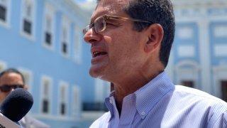 Pierluisi discutió desde La Fortaleza negociaciones de su excliente AES