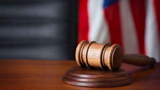 main-justicia-decision-corte-suprema-general-shutterstock_159118949