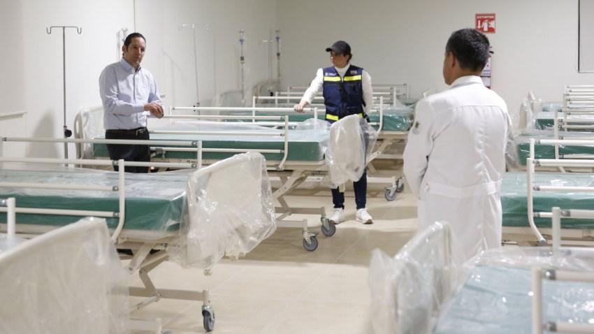 El gobernador de Querétaro visita hospital