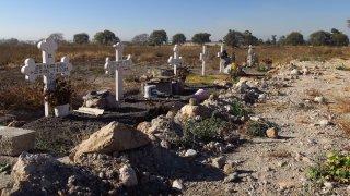 Cruces que recuerdan a muertos por explosión en gasoducto