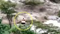 Video: inundación repentina barre con todo a su paso en una zona turística