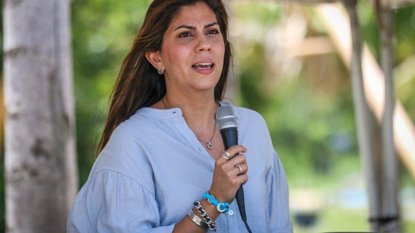 Imagen básica de la secretaria del DRD, Adriana Sánchez Parés