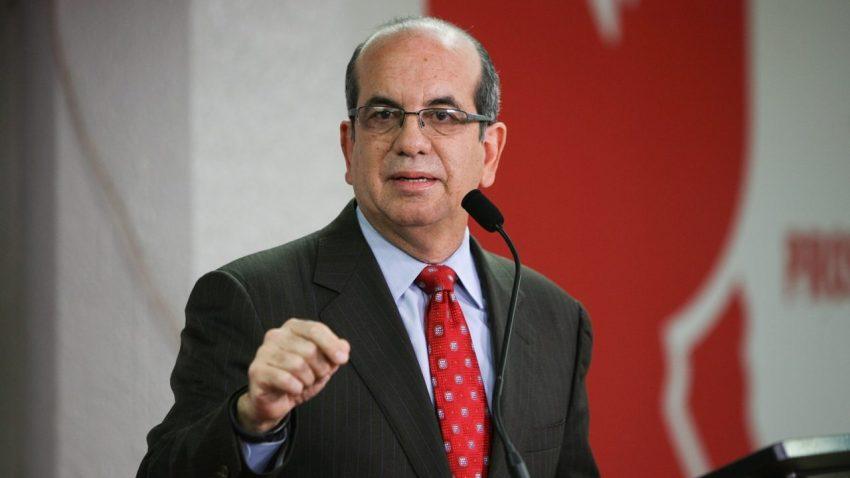 Imagen básica de Aníbal Acevedo Vilá