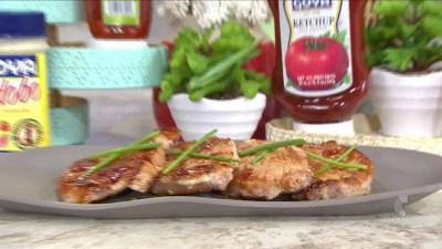 Cocina al día: chuletas de cerdo en salsa de ajo y miel