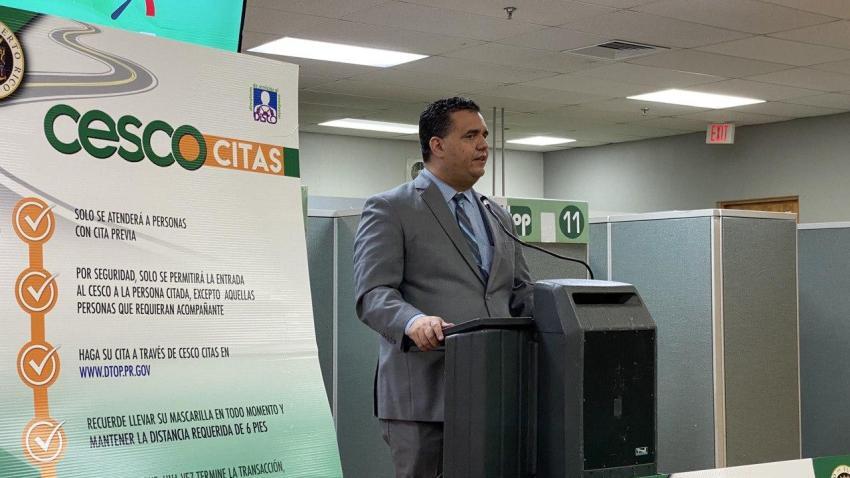 Imagen básica de Carlos Contreras, secretario del DTOP