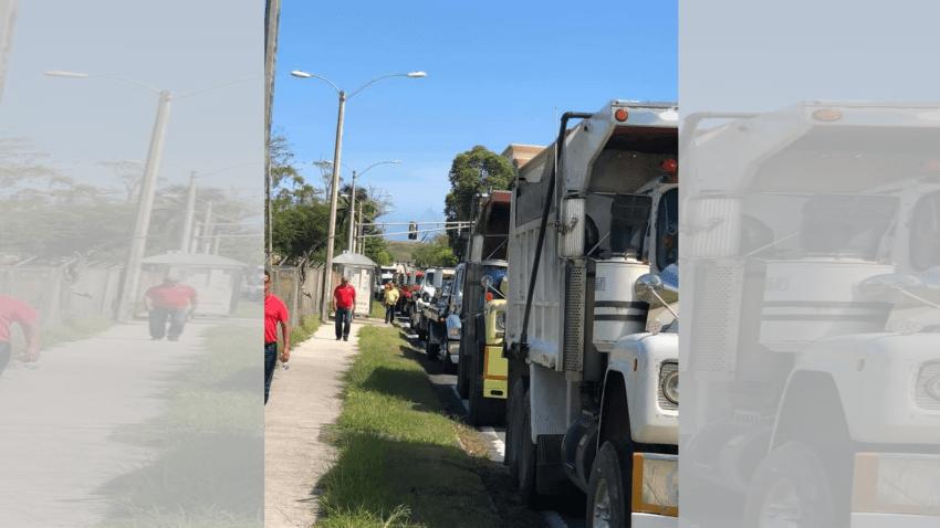 Manifestación de caminoneros, grueros y taxistas en Hato Rey por alza en tarifas