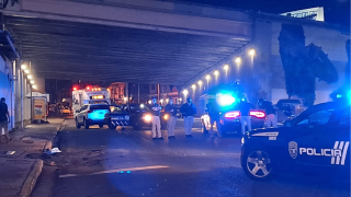 """La Policía investiga un """"hit and run"""" en Santurce."""