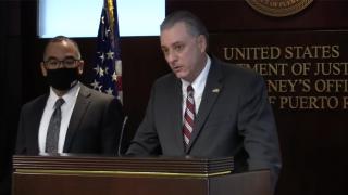 Federales procesan hombre por supuesta posesión de ametralladora, según el fiscal federal W. Stephen Muldrow.
