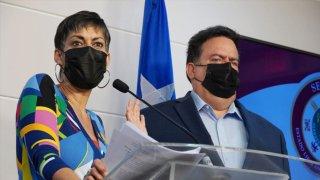 La senadora María de Lourdes Santiago y el representante Denis Márquez Lebrón