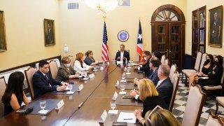 Gobernador Pedro Pierluisi se reúne con los seis delegados congresionales