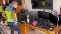 Detienen a presunto pederasta que habría hackeado cámaras de familias