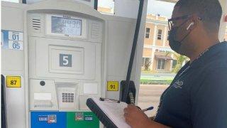 Inspección de DACO en gasolineras.