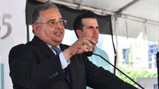 El exsecretario del Departamento de Salud, Rafael Rodríguez Mercado, junto al exgobernador Ricardo Rosselló