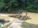 Reportan más de 30 derrumbes en el municipio.