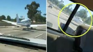Captado en video: avioneta aterriza en plena carretera