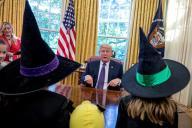 TLMD-Trump-halloween-casa-blanca-hijos-periodistas-y-funcionarios-EFE-oct-27-2017-636447393332069811w