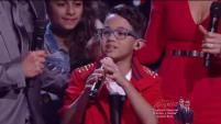 """El ganador de la tercera temporada de La Voz Kids regresó a la tarima para presentar su nueva canción: """"Sonríe a la vida""""."""