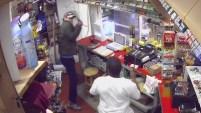 Fue en una tienda en Alabama donde se trenzaron en brutal disputa que se extendió afuera.