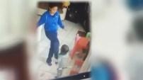 A solo horas de ser arrestada, la mujer que supuestamente fue captada en video pegando y mordiendo a los niños que cuidaba fue hallada muerta.