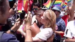 Orgullo Arcoiris rinde tributo a víctimas de Orlando