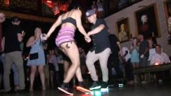 Se hace viral baile de shuffle y stepping en Miami