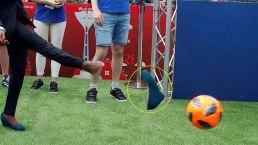 ¡Qué pena! Mira quién perdió un zapato pateando el balón en Rusia