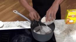 En la cocina: tembleque