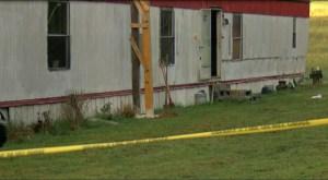 Policía: mata a cuchillazos a su madre y hermana y se autoinflinge puñalada