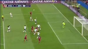 Peligroso ataque inglés casi acaba en autogol argentino