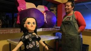 Venden piñata de Sarita, polémica hija de José José