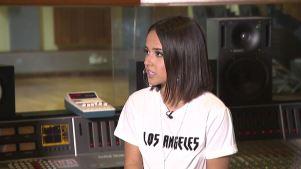 Becky G brinda acceso a la grabación de su nuevo disco