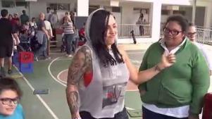 Jennifer Salinas lleva alegría a los niños de SER
