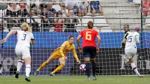Penal da la ventaja a EEUU en los primeros cinco minutos contra España