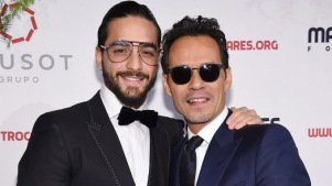 "Marc Anthony le planta beso a Maluma ""en la boca"""