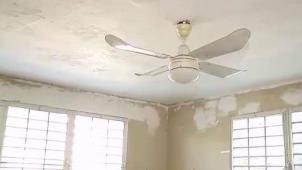 Pagaron más de $50,000 y su casa es un desastre
