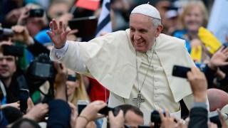 Telemundo honra al Papa con Premio a la Innovación