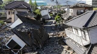 Terremotos sacuden Japón: las imágenes del horror