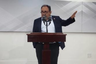 Grijalva busca reformar la ley PROMESA