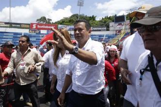 Hugo Martínez oficialmente candidato del FMLN