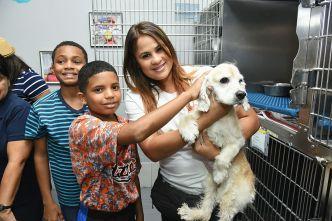¡Adoptan a más de 1,400 animalitos!