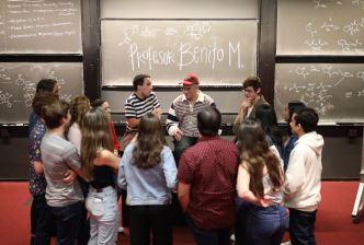 Bad Bunny ofrece charla en la Universidad de Harvard