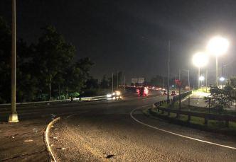 Derrame de aceite provoca cierre de carretera en Bayamón
